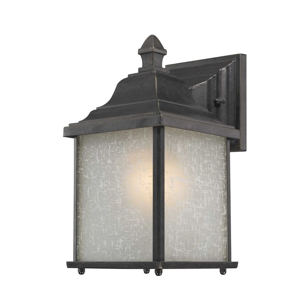 Charleston Medium Outdoor Wall Light